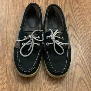 Black and silver sperry's 👞